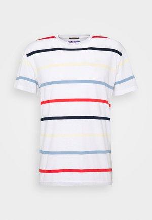 JORRELAXIE TEE CREW NECK - Print T-shirt - cloud dancer/relaxed