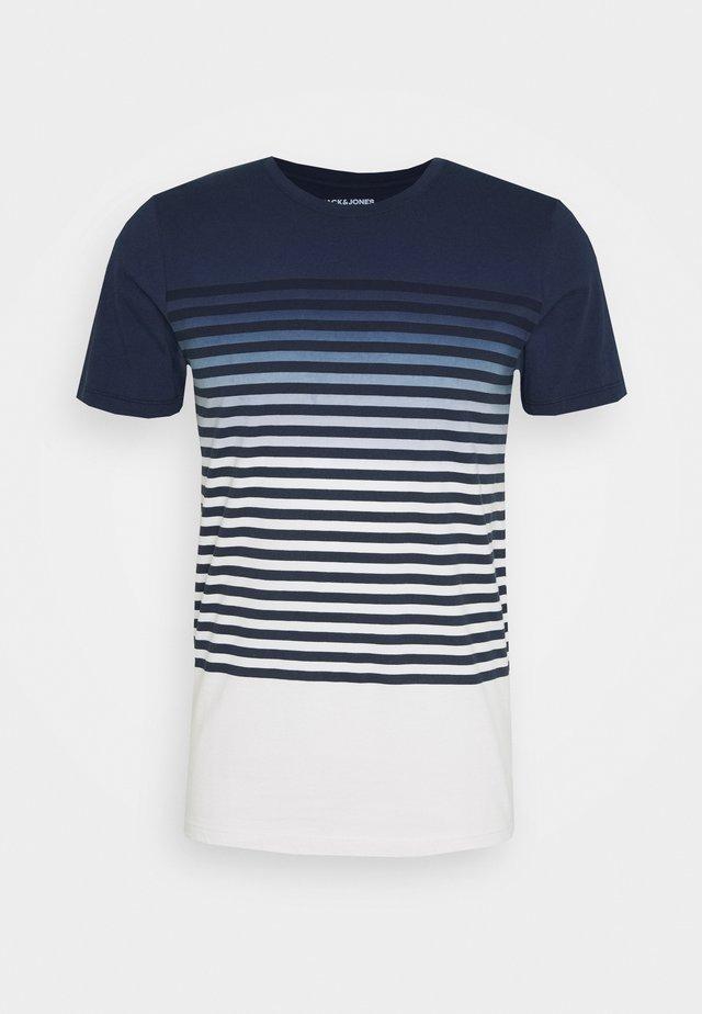 JORGRADE TEE CREW NECK - T-Shirt print - navy blazer