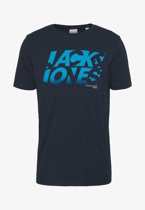JCOPHOENIX  CREW NECK - T-shirt print - sky captain