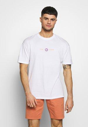JOROAHU TEE CREW NECK - T-shirt imprimé - white