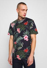 Jack & Jones - JORJUNON TEE CREW NECK  - T-shirt med print - navy blazer - 0