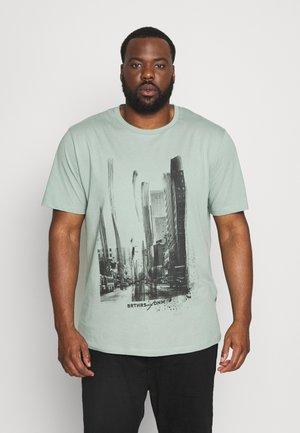JORSOLEX TEE CREW NECK - Print T-shirt - green
