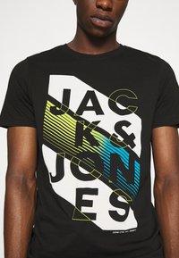 Jack & Jones - JCOSOUL TEE CREW NECK  - T-shirt print - black - 5