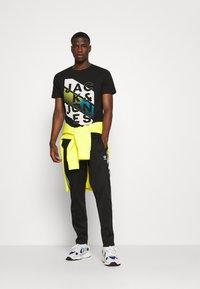 Jack & Jones - JCOSOUL TEE CREW NECK  - T-shirt print - black - 1