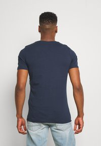 Jack & Jones - JORTORINO TEE CREW NECK - T-shirt print - navy blazer - 2