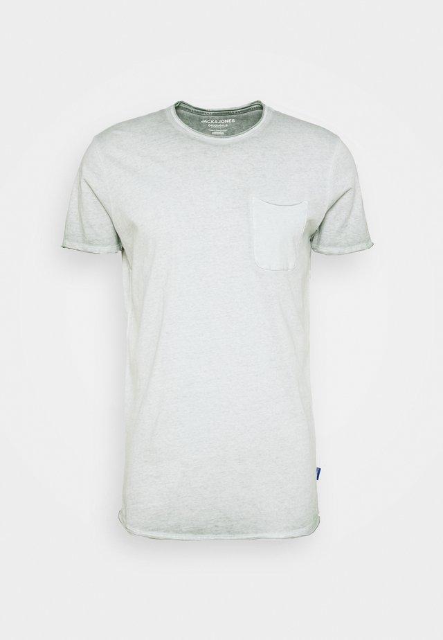 JORKRIS CREW NECK - Basic T-shirt - green milieu