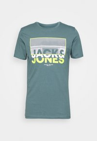 Jack & Jones - JCOTUNEL TEE SS CREW NECK - Print T-shirt - north atlantic - 5