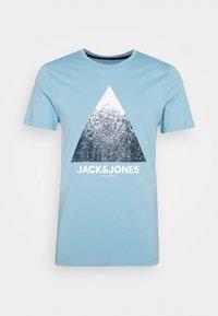 Jack & Jones - JCOSPLATTER TEE CREW NECK - Print T-shirt - dusk blue - 3