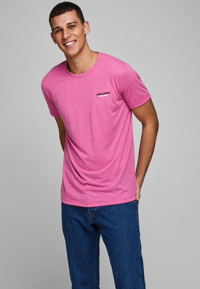 T-shirt con stampa - raspberry rose