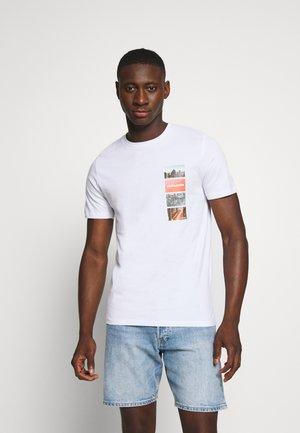 JCOCOOL YODA TEE  - T-shirt z nadrukiem - white