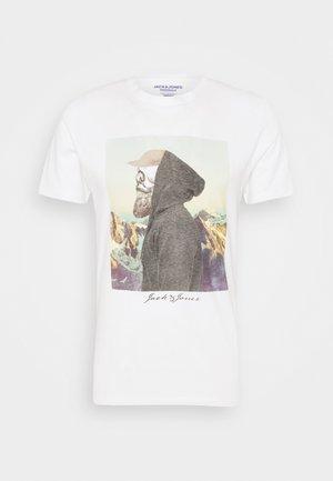 JORSKULLING TEE CREW NECK - Print T-shirt - cloud dancer