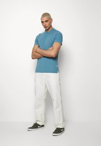 Jack & Jones - JJEBASIC - Polotričko - blue heaven - 1