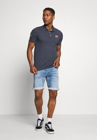 Jack & Jones - JORBADGE POLO  - Polo - navy blazer - 1