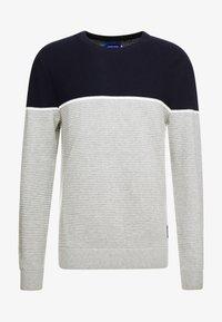 Jack & Jones - JORBRIT CREW NECK - Sweter - light grey melange - 4