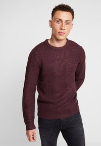 Jack & Jones - JCOSTANFORD CREW NECK NOOS - Neule - fudge - 0