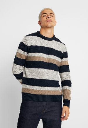 JORTIM CREW NECK - Sweter - brindle