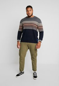 Jack & Jones - JORMADISON - Neule - grey melange - 1