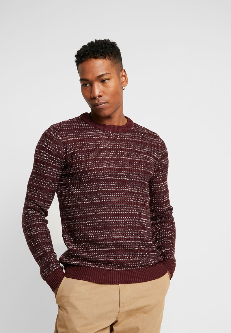 Jack & Jones - JORFLOW CREW NECK - Neule - port royale/stripe
