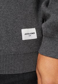 Jack & Jones - JCOSHIELD - Kardigan - dark grey melange
