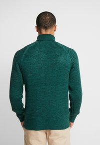 Jack & Jones - JORERIC ROLL NECK - Trui - sea moss - 2
