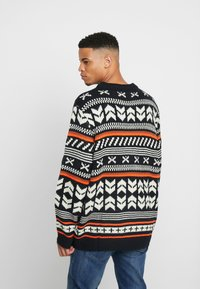 Jack & Jones - JORWINTER CREW NECK  - Jumper - tap shoe - 2