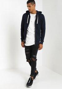 Jack & Jones - JJEHOLMEN - Zip-up hoodie - navy blazer - 1