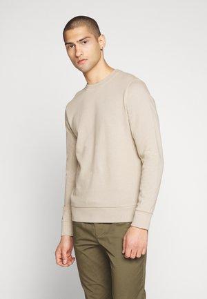 JJEHOLMEN CREW NECK - Sweatshirt - crockery