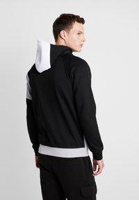 Jack & Jones - JCOTAKE ZIP HOOD - veste en sweat zippée - white - 2
