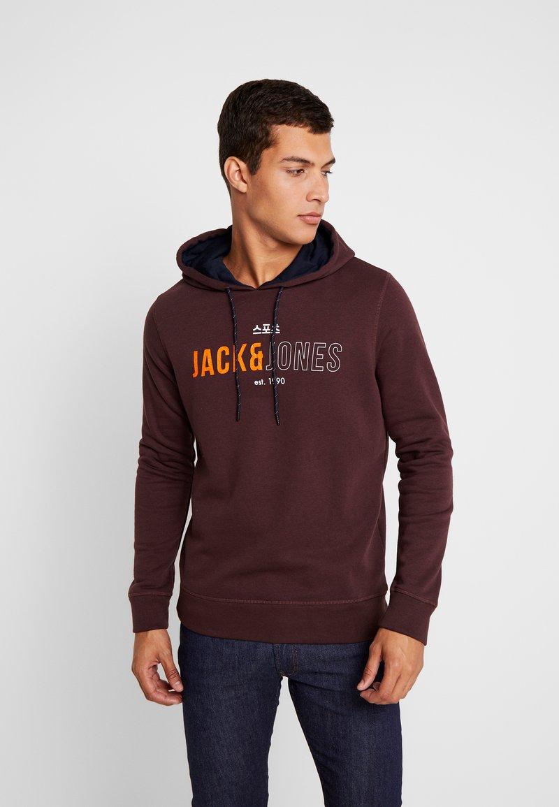 Jack & Jones - JCOMONDO HOOD - Hoodie - fudge