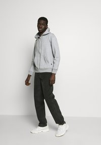 Jack & Jones - JJESOFT ZIP HOOD - Zip-up hoodie - light grey melange/relaxed - 1