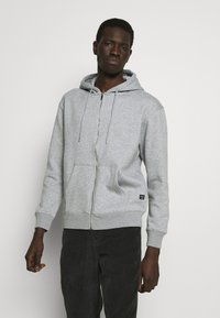 Jack & Jones - JJESOFT ZIP HOOD - Zip-up hoodie - light grey melange/relaxed - 0