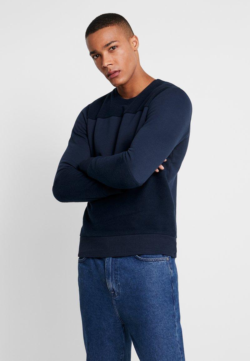 Jack & Jones - JORHOAN CREW NECK - Sweatshirt - navy blazer
