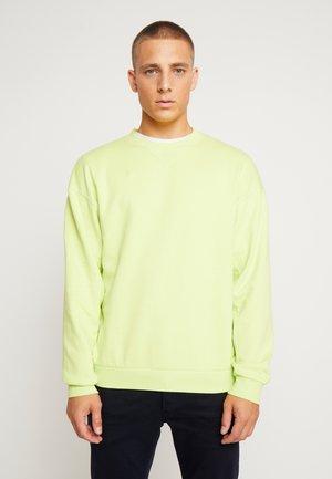 JORFILEY CREW NECK NEW BOX FIT - Sweatshirt - sunny lime