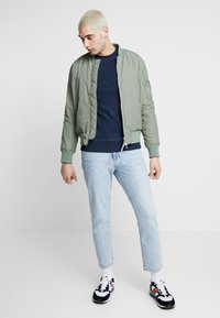 Jack & Jones - JORNORTH CREW NECK - Sweat polaire - navy blazer - 1