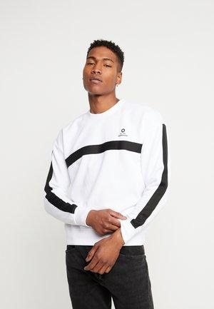 JCOTAPE SWEAT CREW NECK - Sweatshirt - white