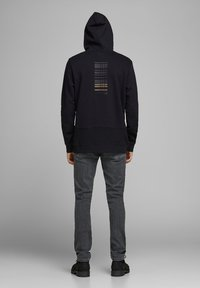 Jack & Jones - Kapuzenpullover - black - 2