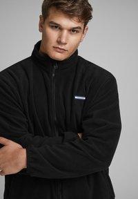 Jack & Jones - REISSVERSCHLUSS - Zip-up hoodie - black - 3