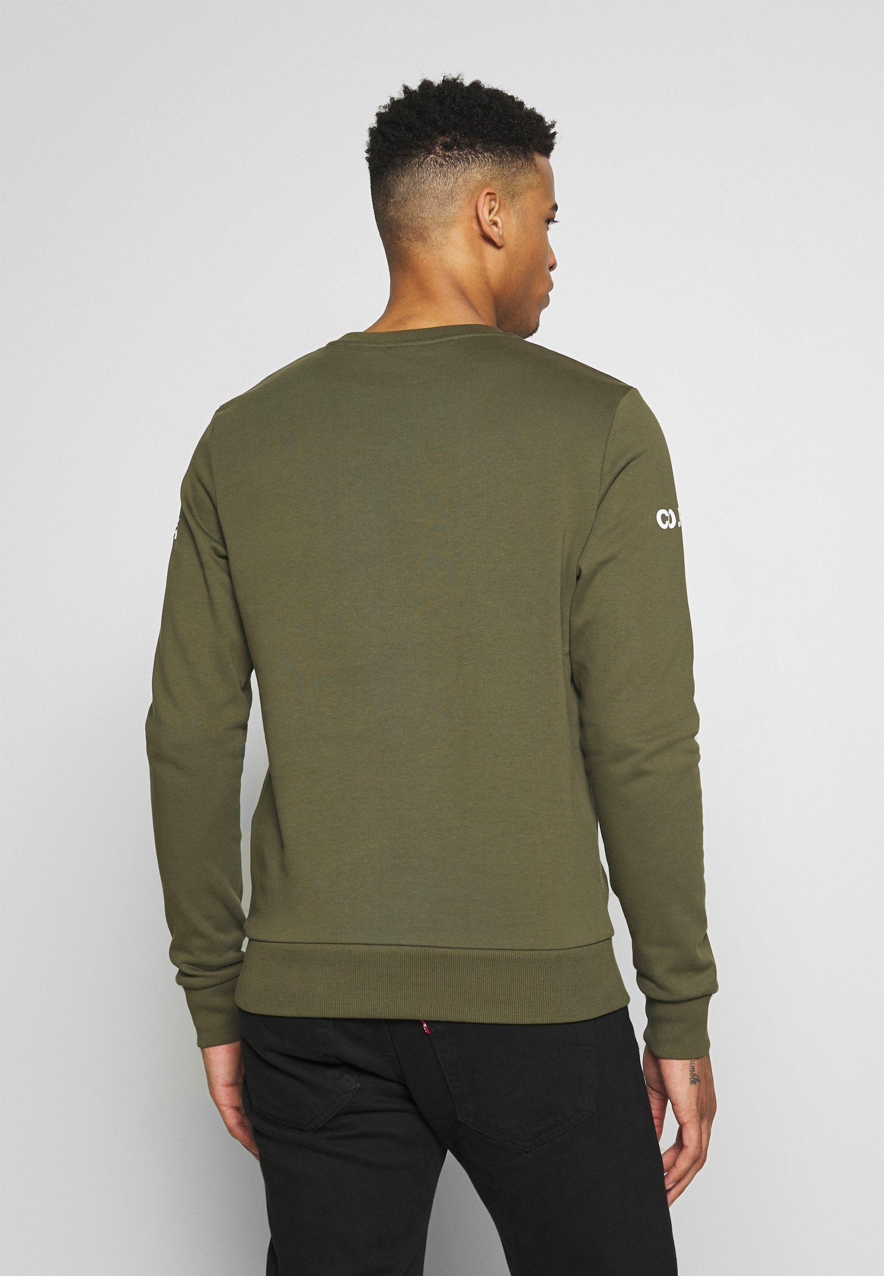 Jack & Jones JCOHOLM CREW NECK - Bluza - dusty olive