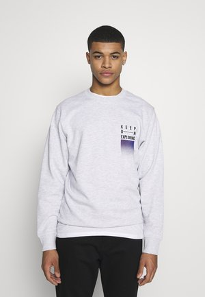 WANDER  CREW NECK - Sweater - white melange/authentic