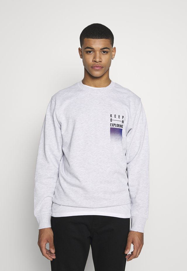WANDER  CREW NECK - Sudadera - white melange/authentic