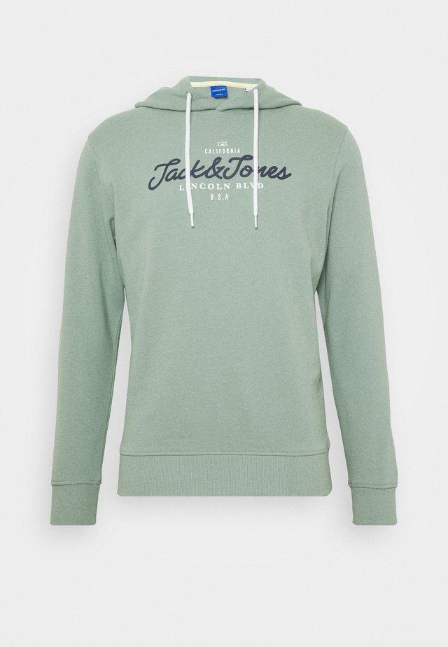 JORANTHONY  - Bluza z kapturem - green milieu