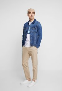 Jack & Jones - JJIALVIN JJJACKET - Veste en jean - blue denim - 1