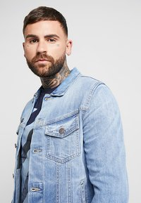 Jack & Jones - JJIALVIN JJJACKET - Veste en jean - blue denim - 4