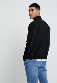 Jack & Jones - JJEDESERT - Bomber Jacket - black - 2