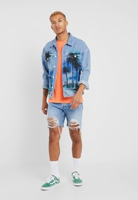 Jack & Jones - JJIJEAN JJJACKET OVERSIZE - Džínová bunda - blue denim - 1