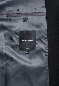 Jack & Jones - JPRMOULDER COAT - Frakker / klassisk frakker - black - 5
