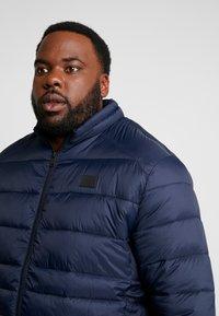 Jack & Jones - JJEBOMB PUFFER COLLAR - Winter jacket - navy blazer - 5