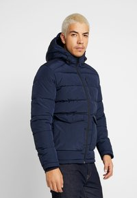 Jack & Jones - JORWAYNE PUFFER JACKET - Winter jacket - navy blazer - 0