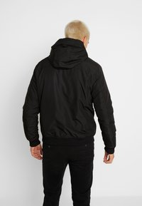 Jack & Jones - JCODOPE JACKET - Winterjas - black - 2