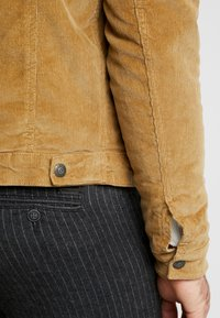 Jack & Jones - JJIALVIN JJSHERPA - Light jacket - kelp - 3